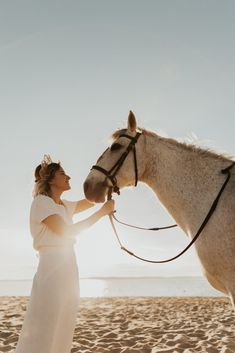 Mariage au Bassin d'Arcachon - Shooting d'inspiration • Sparkly Agency Camel, Marie, Horses, Inspiration, Articles, Animals, Dress, Biblical Inspiration, Animales