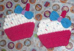 Cupcake Potholder Free Pattern....would be cute on a girls bedroom wall or to use with a play kitchen