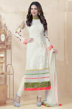 White Shantoon Churidar Suit with Chiffon Dupatta Prix:-61,81 € New arrival Churidar Collection now in store presented by Andaaz Fashion like White Shantoon Churidar Suit with Chiffon Dupatta. Embellished with Embroidered, Resham, Stone,Full Sleeve Kameez, Knee Length Kameez, Round Neck Kameez. This is prefect for Party, Festival, Casual Détails http://www.andaazfashion.fr/white-shantoon-churidar-suit-with-chiffon-dupatta-dma13240.html