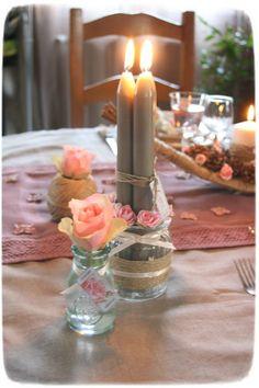 table saint valentin romantique : ficelle et rose