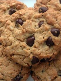Thermomix Recipes: Chocolate Chip Cookies with Thermomix Healthy Cookies, Healthy Sweets, Oatmeal Chocolate Chip Cookie Recipe, Oatmeal Cookies, Chocolate Chips, Healthy Chocolate, Coconut Chocolate, Chocolate Oatmeal, Banana Coconut