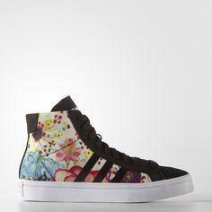 lowest price 56b66 4049f O Tênis Courtvantage Mid W é um calçado clássico feito para as quadras após  uma transformação. Black Adidas ShoesBlack ...