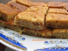 Prajitura cu mere Thing 1, Cornbread, Banana Bread, Ethnic Recipes, Desserts, Food, Millet Bread, Tailgate Desserts, Deserts