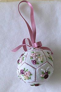 pattern for this embroidered Christmas tree ornament. this would be great for a Victorian style tree Quilted Christmas Ornaments, Fabric Ornaments, Christmas Embroidery, Christmas Fabric, Handmade Ornaments, Pink Christmas, Christmas Baubles, Handmade Christmas, Christmas Decorations