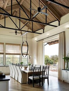 Stunning dining room with high ceilings This stunning wine country residence was recently renovated by Wade Design Architects in collaboration with Jennifer Robin Interiors, located in Santa Rosa, California. Interior Exterior, Interior Architecture, Interior Design, Modern Farmhouse Style, Farmhouse Design, Dining Room Design, Dining Area, Dining Rooms, Dining Table