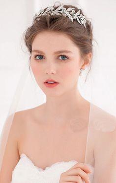 SWAROVSKI CRYSTALLIZED DOWNTON ABBEY BRIDAL TIARA- LADY MARY A truly BEAUTIFUL and gorgeous Swarovski Crystallized Bridal Tiara! The sparkle