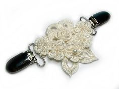I need one of these :) Gorgeous Flowers Flowers Cinch Dress Clips