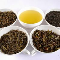 7 Herbal Rinses for Hair Growth and Scalp Health | Black Girl with Long Hair