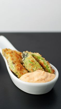 Avocado fries with a spicy roast garlic dip - easy in the airfryer, just add a bit of oil to the breadcrumbs so they stick