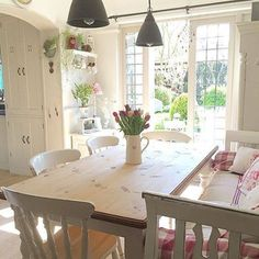 55 Lasting French Country Dining Room Furniture Decor Ideas - Home House Styles, Home Decor, House Interior, Cottage Dining Rooms, Cottage Kitchens, Cottage Living, French Country Dining Room, Dining Room Furniture, French Country Dining Room Furniture