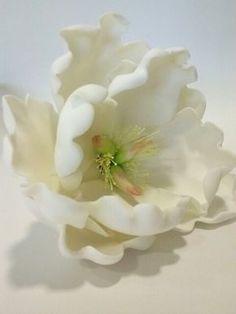 Fondant Flowers, Sugar Flowers, Fabric Flowers, Paper Flowers, Peony Cake, Paste Recipe, Fondant Tutorial, Cabbage Roses, Cake Decorating Tips