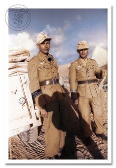 Členové jednotky Fallschirmjäger v severní africe. Members units of Fallschirmjäger in north africa. Luftwaffe, Paratrooper, Ww2 Uniforms, German Uniforms, Ww2 Pictures, Military Pictures, German Soldiers Ww2, German Army, Military Art