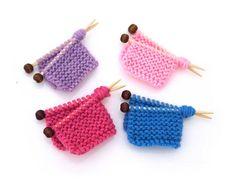 Nanna Knitted Brooch