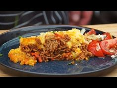 Zapiekanka ziemniaczana z mięsem mielonym /Oddaszfartucha - YouTube Lunch Recipes, Lasagna, Food And Drink, Beef, Dinner, Casseroles, Ethnic Recipes, Youtube, Google