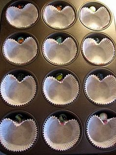How to make heart shaped cupcakes with a round baking tin.