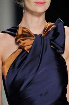 202 details photos of Carolina Herrera at New York Fashion Week Fall 2014.