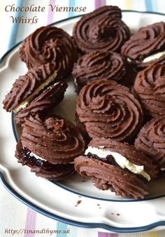 Chocolate Viennese Whirls sandwiched with vanilla buttercream and blackcurrant chilli jam. Melt inthe mouth and not overly sweet, these biscuits make a wonderful tea time treat. Viennese Biscuits, Viennese Whirls, British Biscuits, Tea Cakes, Food Cakes, Cookie Desserts, Cookie Recipes, Dessert Recipes, Recipes Dinner