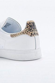 adidas Originals White Snake Velcro Stan Smith Trainers