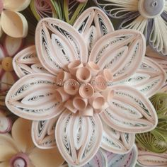 19 Quick Paper Quilling Ideas For Beginners Neli Quilling, Quilling Butterfly, Paper Quilling Flowers, Paper Quilling Tutorial, Paper Quilling Patterns, Quilled Paper Art, Quilling Paper Craft, Paper Crafts, Quilling Ideas