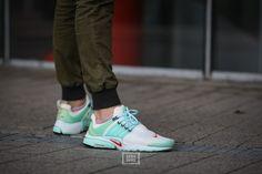 """Classics on Feet – Nike Air Presto """"Oriental Poppy""""   Sneaker-Zimmer.de"""