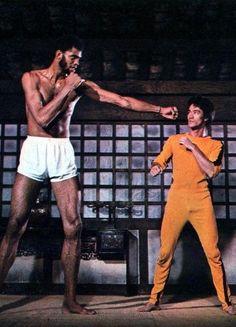 Kareem Abdul Jabbar & Bruce Lee #GameOfDeath #Nunchaku #Brucelee