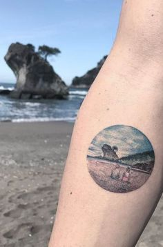 ▷ Marine tattoo idea - marine style models and meaning to adopt Piercing Tattoo, Piercings, Small Tattoos, Cool Tattoos, Awesome Tattoos, Rib Tattoos, Marine Tattoo, Island Tattoo, Sea Tattoo