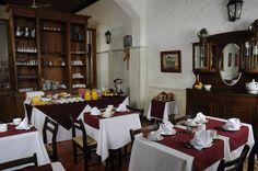 Desayunador en Don Antonio Posada en Colonia del Sacramento, Uruguay. Su web: www.posadadonantonio.com