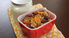 Homemade Yogurt and Granola. Rachel Ray Recipes, Yogurt And Granola, Homemade Yogurt, Mixed Nuts, Balanced Diet, Healthy Eating, Healthy Food, Oatmeal, Appetizers