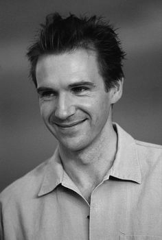 I got a huuuuge problem! It's my obsession over this beautiful fucker ! Hot British Men, British Actors, Royal National Theatre, Joseph Fiennes, Ralph Fiennes, Dapper Men, Attractive Men, Best Actor, Fotografia