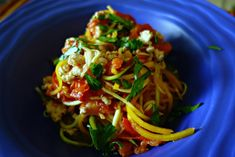 tri-squash-zoodles-with-fresh-tomato-sauce-chicken-1