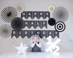 Half Birthday Baby, Birthday Goals, Birthday Party Decorations, Birthday Parties, 6 Month Baby Picture Ideas Boy, Monthly Baby Photos, Birthday Pictures, Birthday Balloons, Baby Decor