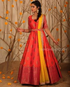 Stunning red color floor length benarasi ananrkali dress with yellow color net dupatta. Ananrkali dress with waist belt design. Lehenga Designs, Kurta Designs, Half Saree Designs, Kurti Designs Party Wear, Half Saree Lehenga, Saree Gown, Sari Dress, Anarkali Dress, Frock Dress