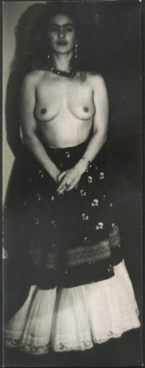 Frida kahlo nude - authentic photo by Julien Levy, 1938 Diego Rivera, Frida E Diego, Frida Art, Selma Hayek, Mexican Artists, Portraits, Dita Von Teese, Cindy Crawford, Frida Khalo