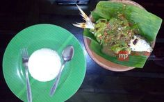 Pecak Bandeng Tanpa Duri, Bukti Sejarah Kuliner Kesultanan Banten http://www.perutgendut.com/read/pecak-bandeng-tanpa-duri-bukti-sejarah-kuliner-kesultanan-banten/3474 #Food #Kuliner #Indonesia