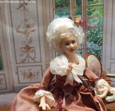 Princesse de Lamballe by Les miniatures de Béatrice. Girls Dresses, Flower Girl Dresses, Miniature Dolls, Wedding Dresses, Ideas, Princess, Porcelain, World, Dresses Of Girls
