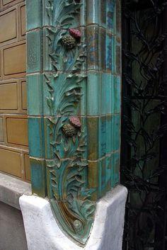 Lovely detailing on those ceramic moldings! Art Nouveau ceramic thistles in Paris Art Nouveau Tiles, Art Nouveau Design, Design Art, Tile Art, Mosaic Tiles, Art Nouveau Architecture, Style Tile, Decorative Tile, Ceramic Art