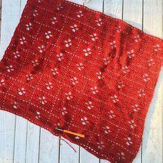 Almost done ❤️ #crochet #handmadeisbetter #handmade #crochetersofinstagram #crochetblanket #callthemidwifeblanket
