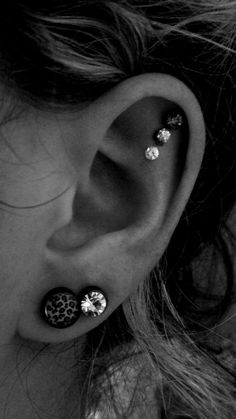 Already have this piercing, liking the three different earrings