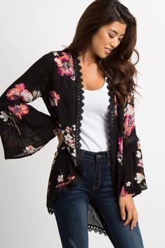 PinkBlush - Where Fashion Meets Motherhood : Black Floral Crochet Bell Sleeve Kimono Kimono Fashion, Fashion Outfits, Fashion Trends, Mode Kimono, Looks Plus Size, Cute Outfits, Summer Outfits, Blouse Designs, Bell Sleeves
