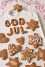 Gingerbreads- I love her whole blog! 'Charming Christmas' (translated from swedish).