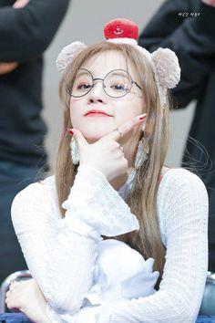 How To Speak Chinese, Birthday Name, D 20, Cube Entertainment, Soyeon, Neverland, Kpop Girls, Asian Beauty, Girl Group