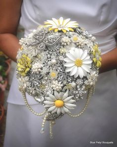 Tear-Drop brooch bouquet in daisies and yellow accents :)