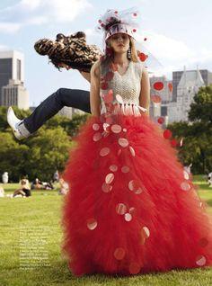 Harper's Bazaar UK Dezembro 2014 | Gigi Hadid por Michael Avedon [Full Editorial]