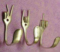 Divertidos percheros para la cocina utilizando tenedores en desuso!
