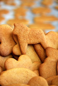 piparkakut/gingerbread cookies recipe in both finnish and english
