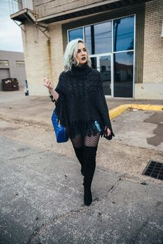 Ponchos are great but it can be tough deciding what to wear with a poncho! These poncho outfit ideas will give you countless combinations for that poncho in your closet. Click through for details on this poncho look and for a list of ways to style a poncho!