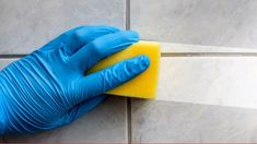 Don't have time to run to the store? Check out this video for an easy homemade cleaning solution you can make with a few common household items! Move Out Cleaning, House Cleaning Tips, Deep Cleaning, Cleaning Hacks, Cleaning Supplies, Cleaning Spray, Cheap Backsplash Tile, Black Backsplash, Backsplash Ideas