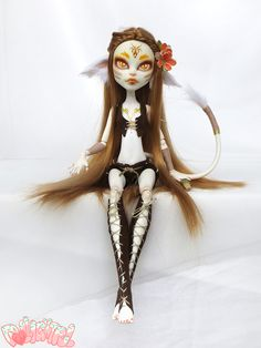 Ruhara, the wild forest guardian. Catrine Demew Monster High custom repaint doll by Dollightful