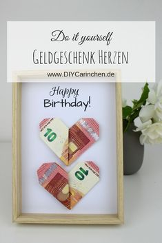 DIY money gift hearts in origami style - the perfect gift idea + free . - DIY money gift hearts in origami style – the perfect gift idea + free … DIY money gift hearts in origami style – the perfect gift idea + free … Don D'argent, Art Origami, Origami Hearts, Money Origami, Diy Xmas, Diy Gifts, Christmas Gifts, Diy For Men, Origami Tutorial