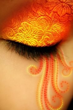 Creative eye make-up - Orange #eyeshadow